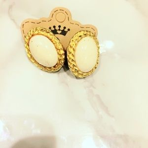 Cream and Gold Tone Vintage Earrings